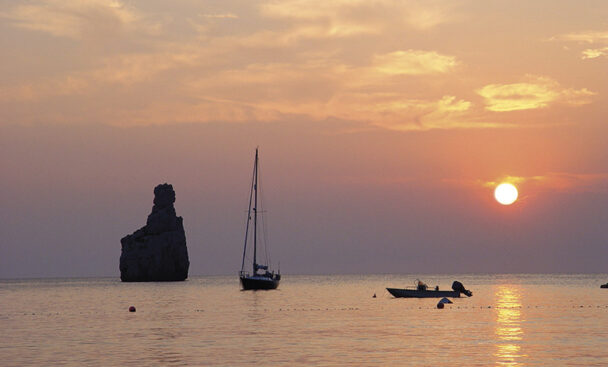 Puesta de sol - Benirrás - Ibiza Travel